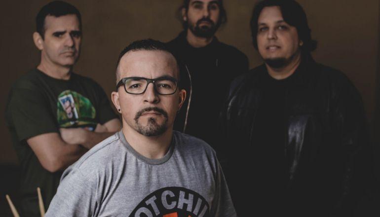 Banda All Need traz o melhor do Rock clássico ao Música na Praça do Center Shopping